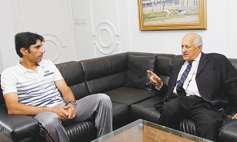 Waqar, Misbah brief PCB chief on SL tour