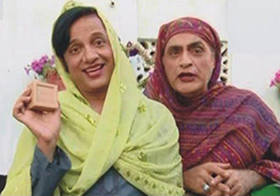 Nabeel and Mehmood Sahab dressed as women for one of the episodes.