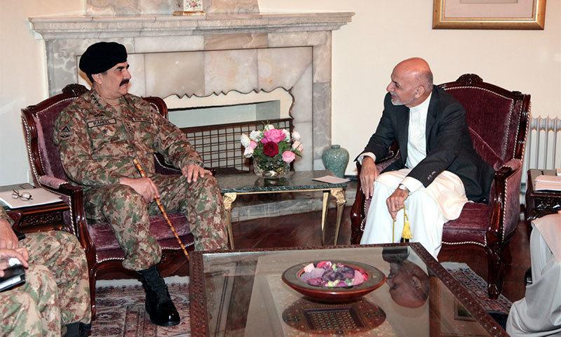 COAS Gen Raheel Sharif (L) during his visit to Afghanistan met Afghan President Ashraf Ghani Ahmadzai (R) in Kabul.