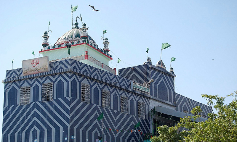 The shrine of the Sufi saint, Abdullah Shah Ghazi. — Photo: Vaqar Ahmed