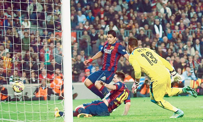 Messi breaks La Liga goals record with hat-trick