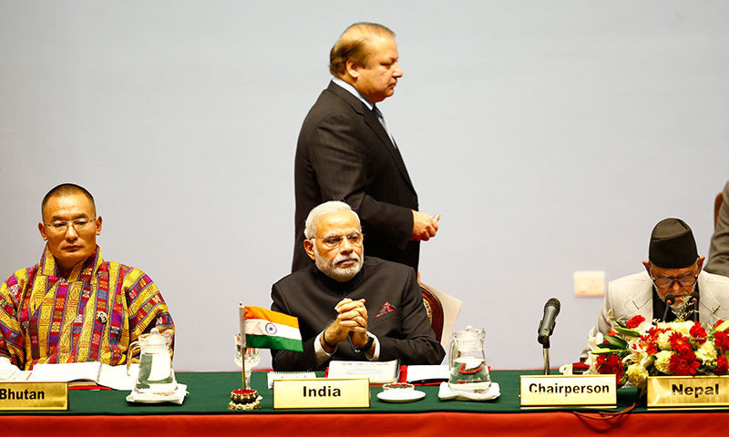 No 'structured meeting' between Nawaz and Modi, says Sartaj
