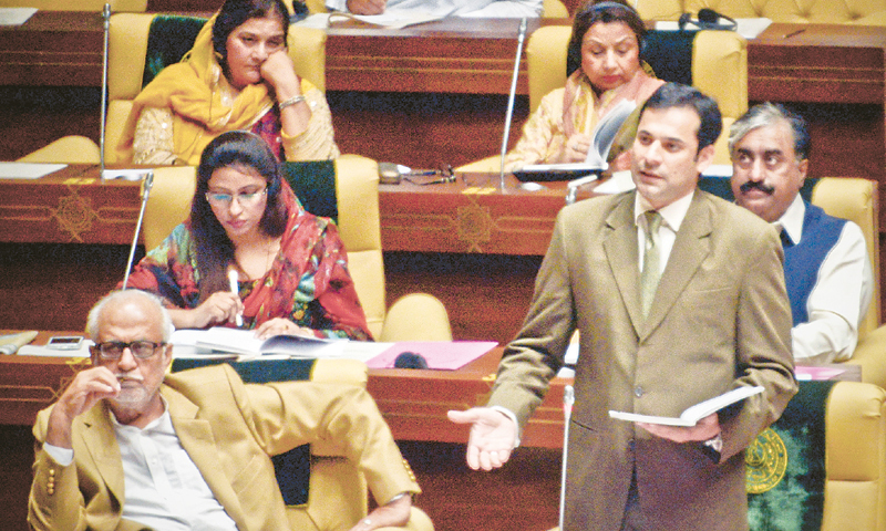 Shaharyar Khan Mahar, speaks on health legislation during a Sindh Assembly session.—White Star/File
