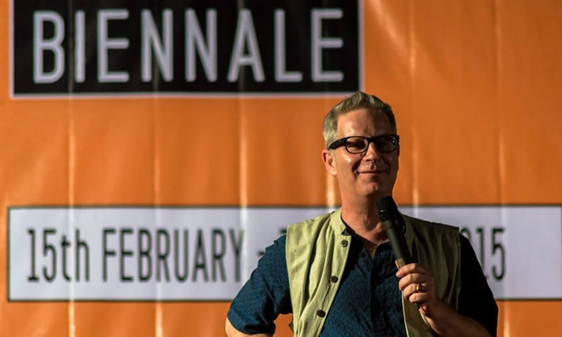 David Osrin speaking to the guests. – Photo credit: Dharavi Biennale Facebook page