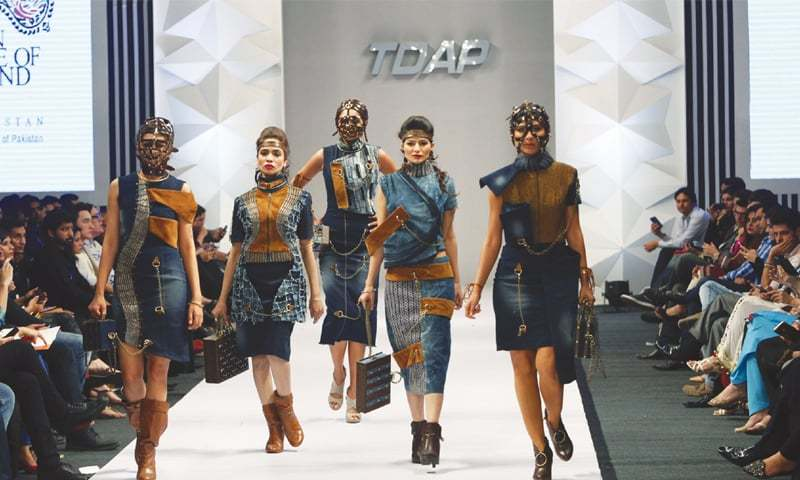 Designers Focus On Creativity As Tdap Fashion Show Ends Newspaper Dawn Com