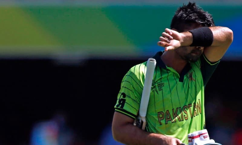 LIVE | Jamshed, Shehzad fall in jittery Pakistan start