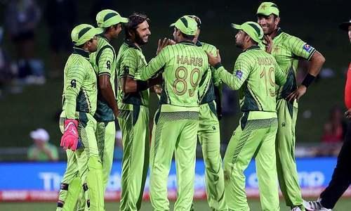 Pakistan pummel UAE to boost quarter-final prospects