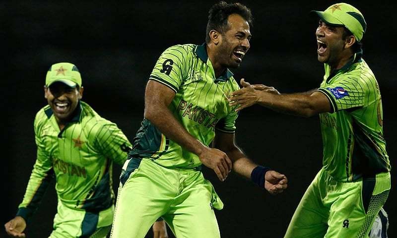 Seamers, Sarfraz inspire as rampant Pakistan sink South Africa