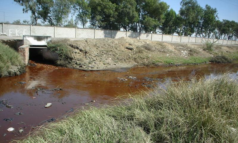 شوگر ملز کے فضلے میں موت بہتی ہے