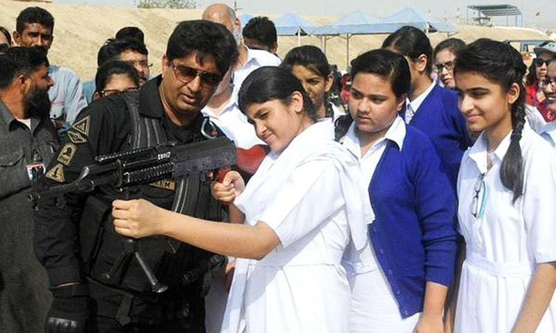 After the APS Peshawar attack, students in several educational institutions in the country have been given weapons training by police and even taught to defuse bombs.  — Sindh police twitter