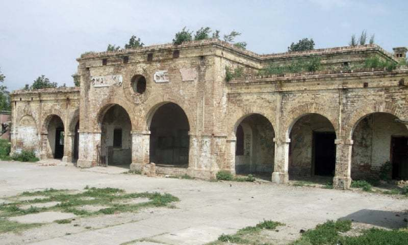 The building of Chakwal Railway Station cuts a sorry figure.