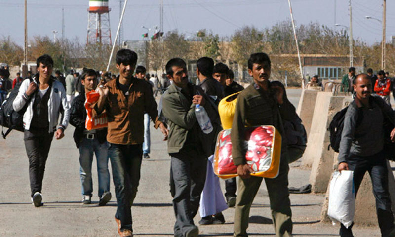 Pakistani authorities handed over Afghan nationals to the officials at the Chaman border crossing.—Reuters/File