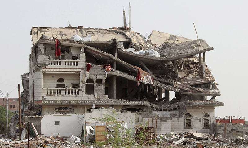 A view of a building destroyed by a Saudi-led air strike is seen in Yemen's Haradh on May 20, 2015. ─ Reuters