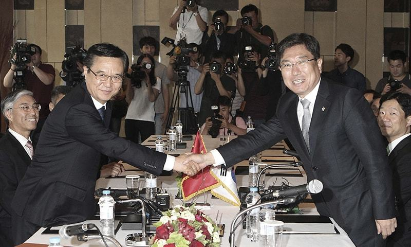 S Korea China Formally Sign Free Trade Pact Newspaper Dawn