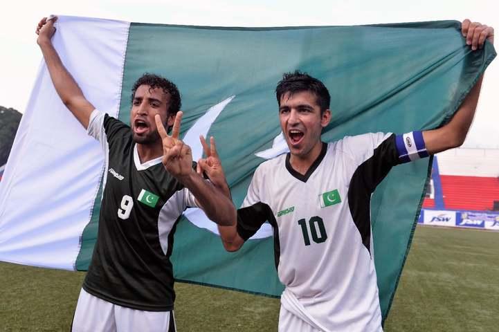 Pakistan Captain Kaleemullah (R). — AFP/File