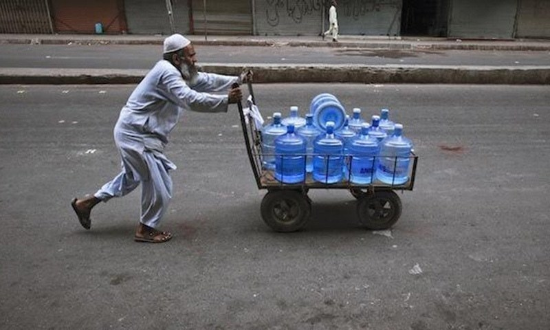 In Pakistan, bottled water may be unfit to drink - Pakistan