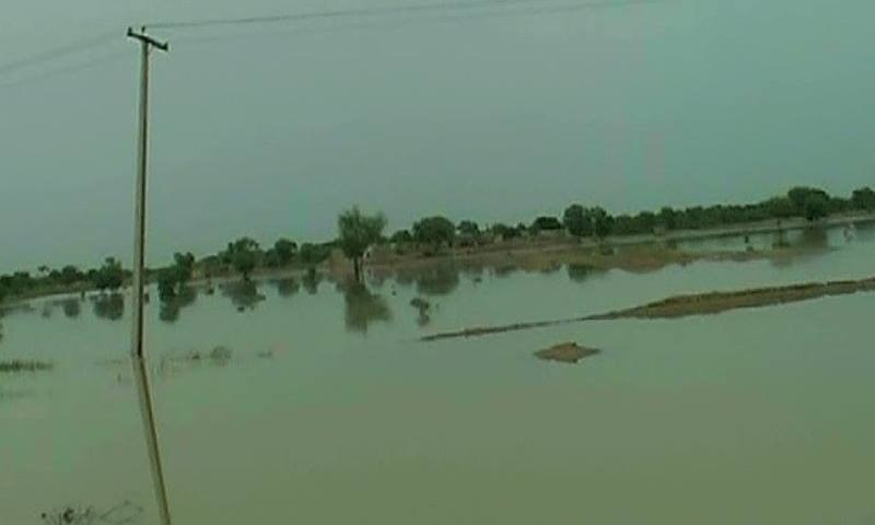 So far, Around 131 villages in Layyah, Rajanpur and Muzaffargarh districts have been flooded by water from the Sindh River.  —DawnNews screengrab