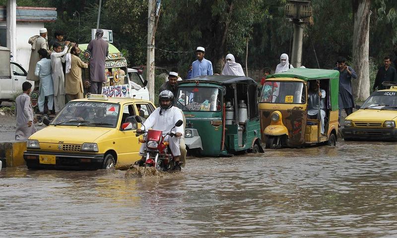 پشاور میں سیلاب سے تباہی