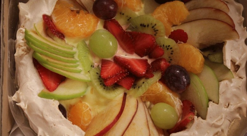 Beat the summer heat with some fresh fruit desserts like this mixed fruit pavlova from The Poached Pear!