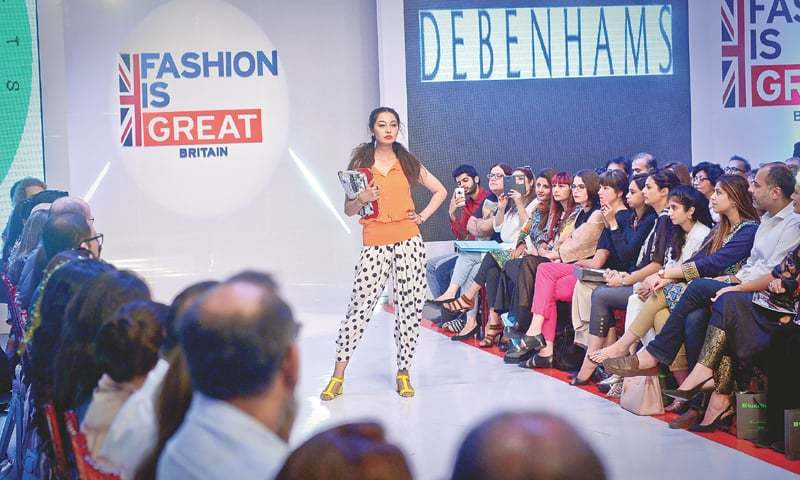 Great Festival Brings Together Uk Pakistani Fashion Brands Newspaper Dawn Com