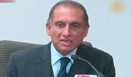 Foreign Secretary Aizaz Chaudhary briefing the media in Washington. – DawnNews screengrab