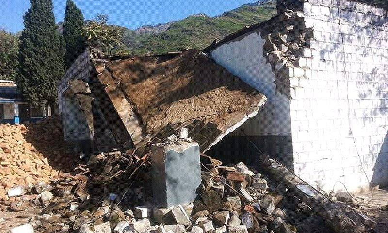 Quake Leaves 813 Schools Damaged In Nine KP Districts