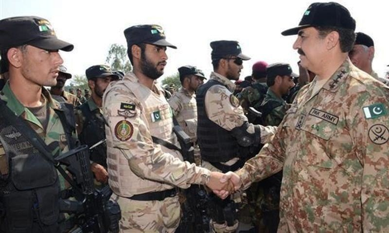 """General Raheel Sharif said that """"Pakistan and Saudi Arabia enjoy strong and brotherly relations which have a long history of deep rooted cooperation."""" — Photop courtesy ISPR"""