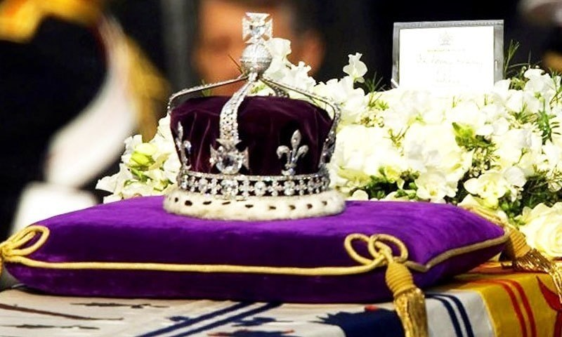 """The Kohinoor, or """"mountain of light"""" diamond, set in the Maltese Cross at the front of the crown made for Britain's late Queen Mother Elizabeth. -AP/file photo"""