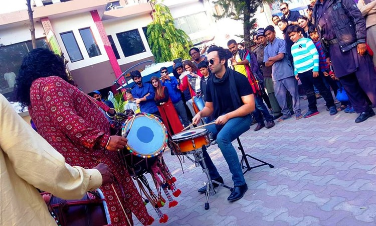 Farhad and Nasir Sain play for the people of Islamabad. — Publicity photo
