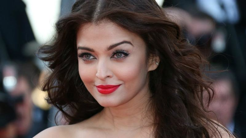 Aishwarya returned from her hiatus after motherhood in action film Jazbaa – Photo courtesy cinema.com.my