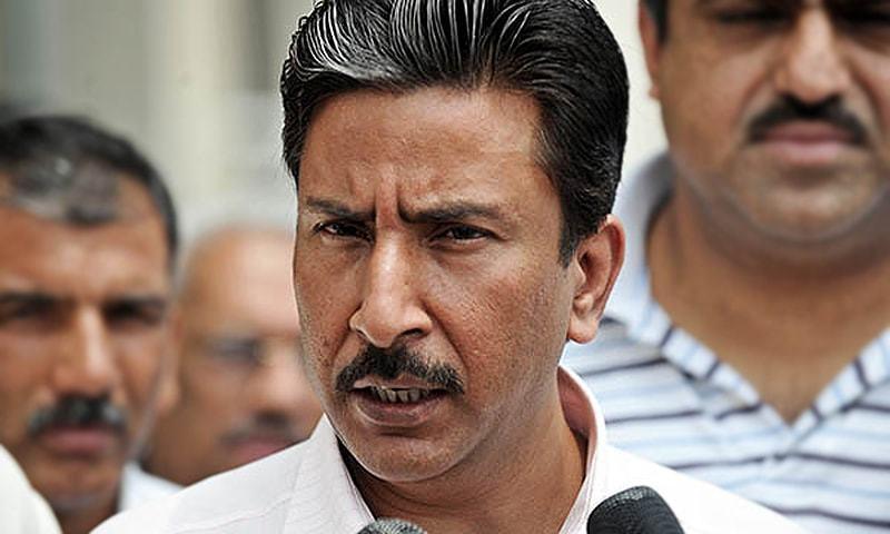 پاکستان کے سابق کپتان سلیم ملک— اے ایف پی