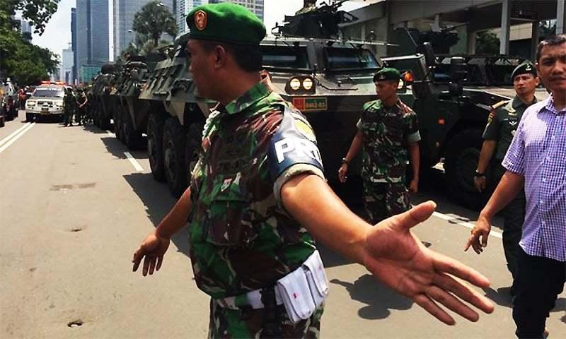 Tanks arrive at the blast scene in Jakarta. ─ Photo: Samantha Hawley official Twitter