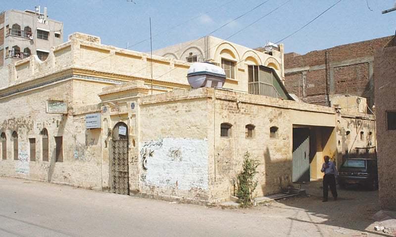 حیدرآباد کے علاقے ہیرآباد میں دادی لیلاوتی کا گھر۔ — فوٹو عرفان علی انصاری