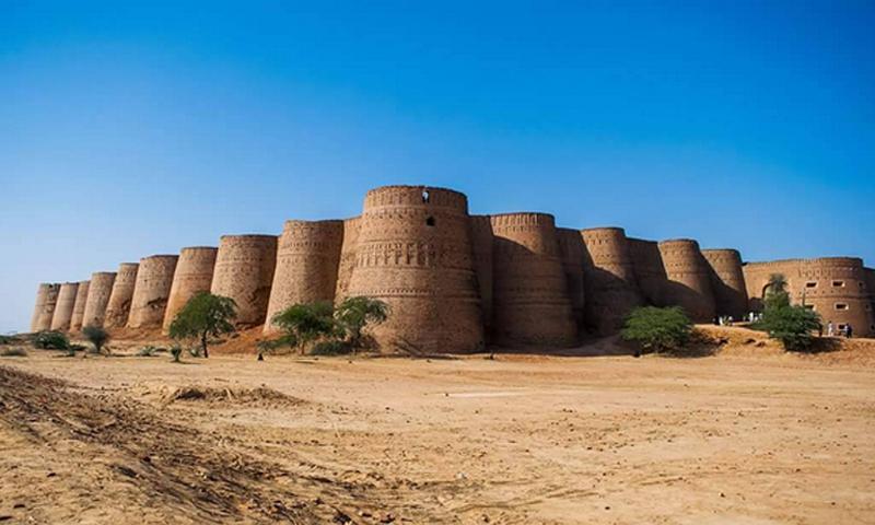 پاکستان کے آٹھ سحر انگیز تاریخی قلعے