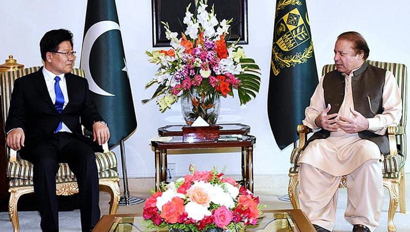 Xinjiang's Communist Party chief Zhang Chunxian in a meeting with Prime Minister Nawaz Sharif at PM House. — APP