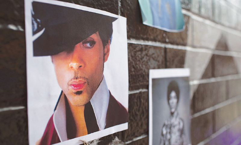 How did Prince die? Autopsy seeks answers