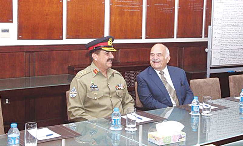 AMMAN: Chief of Army Staff General Raheel Sharif called on Prince Al Hassan bin Talal  here on Monday.—INP