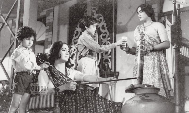 Nayyar Sultana in Meri Bhabhi