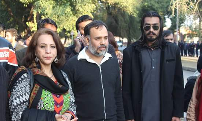 Activist Khurram Zaki (center) ─ Source: Khurram Zaki Facebook page