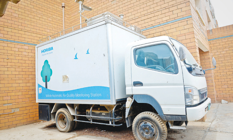 The mobile station for air quality monitoring gathers dust at the Sepa office. ─ White Star