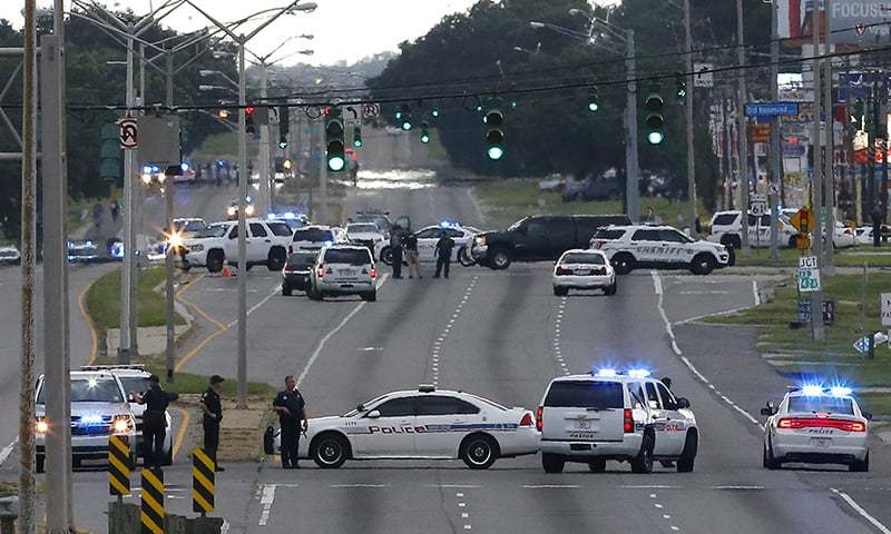 Three US police officers dead, several injured in Baton Rouge shooting