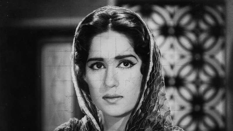 From the husbands who helped her acting career to her trailblazing work as director, here are some fascinating facts about Shamim Ara's career. ─ White Star/File