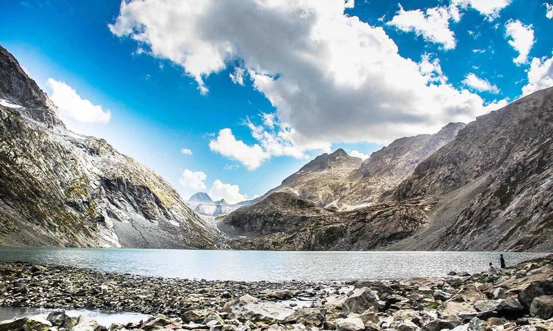 With the height of 12,565 feet above sea level Godar Lake provides a gorgeous trekking destination