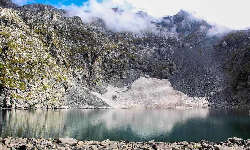 A view of the glacial lake Bashigram