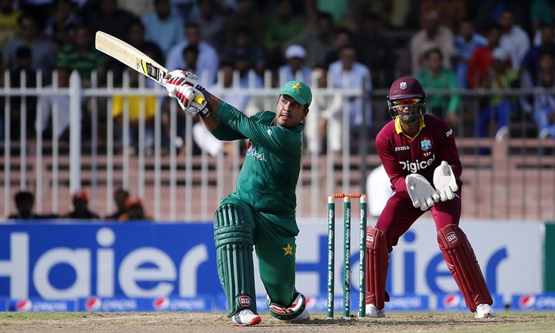 پاکستان ایک روزہ کرکٹ میں جیت کی جانب گامزن