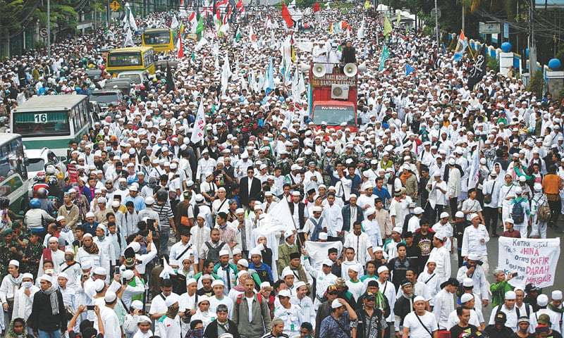 Indonesian Muslims oppose Christian governor's re-election bid