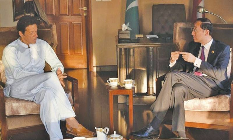 Chinese Ambassa­dor Sun Weidong meets PTI chairman Imran Khan on Tuesday.—INP