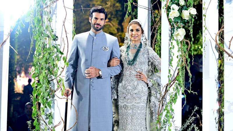 Adnan Malik and Amna Ilyas were  showstoppers at Elan's solo show of their latest bridal collection - All photographs by Faisal Farooqui and his team at Dragonfly