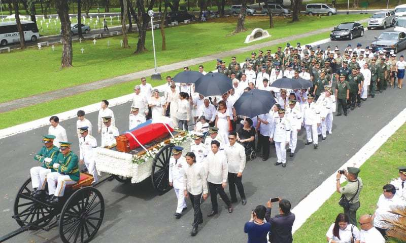 Former dictator Marcos gets a hero's burial