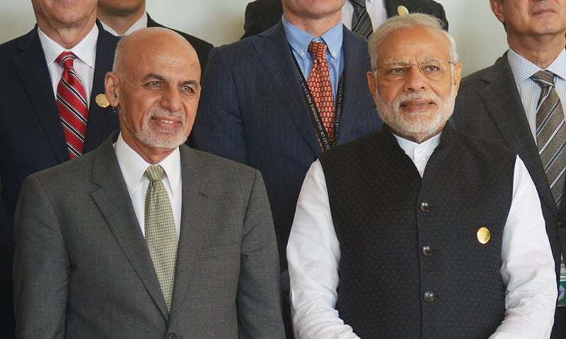 Indian Prime Minister Narendra Modi and Afghan President Ashraf Ghani pose for the group picture at the 6th Heart of Asia (HoA) Ministerial Conference. ─AFP